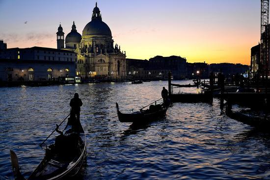 Gondole - Venezia (2700 clic)