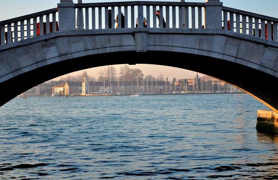 Il ponte - Venezia (1726 clic)