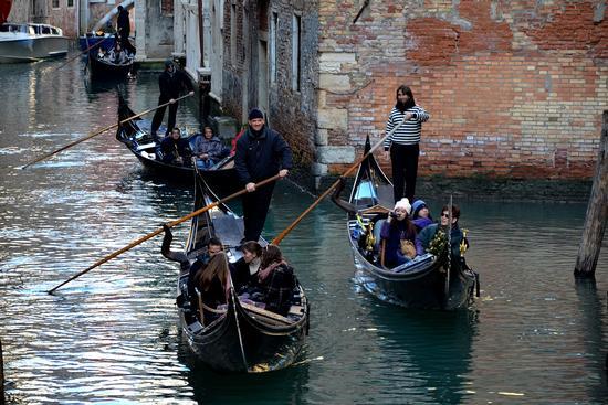 A spasso per Venezia (2182 clic)