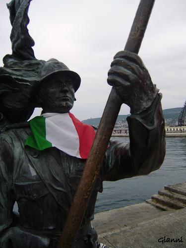 piazza unita d'Italia  Trieste  (2447 clic)