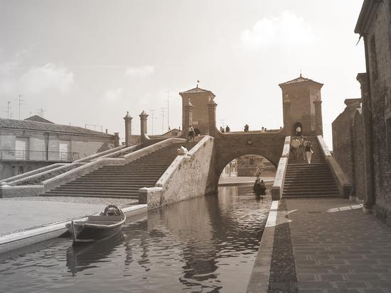 la scalinata a Comacchio  FE (3250 clic)