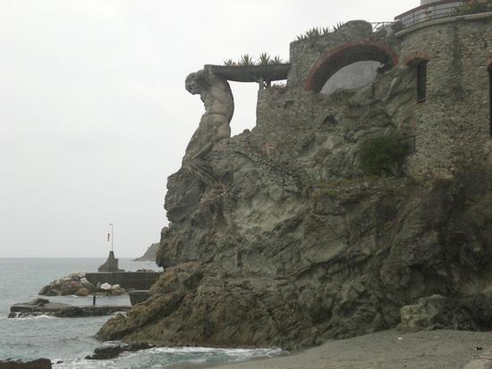 Statua Circolo della vela - Monterosso al mare (2535 clic)