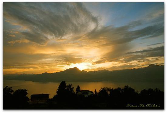 Tamonto sul lago di Garda - San zeno di montagna (2177 clic)