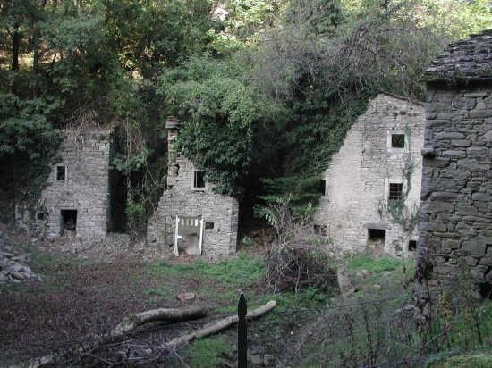 borgo abbandonato - Sestola (5753 clic)