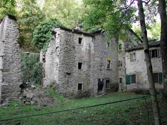 borgo abbandonato 2 - Sestola (5170 clic)