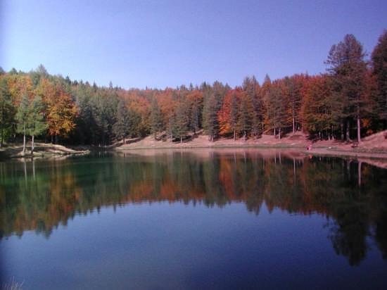 colori sul lago - Sestola (3282 clic)