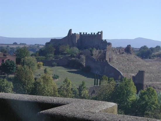 Castello di Tuscania (5165 clic)