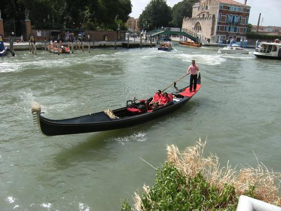 Gondola sul Canal Grande - Venezia (1525 clic)