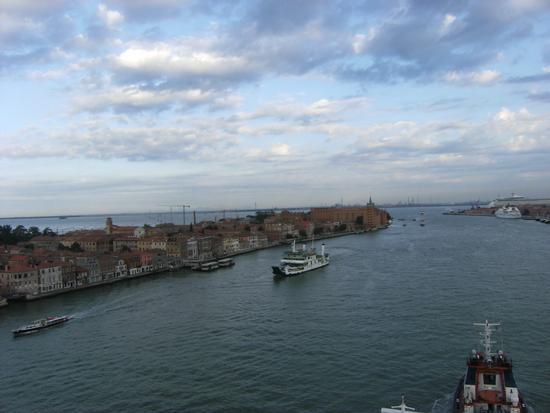 Rientro al Porto di Venezia vista dalla nave 15 luglio 2011 (1644 clic)
