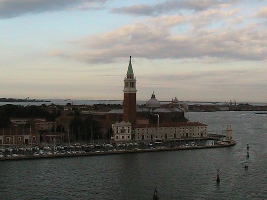 Rientro al Porto di Venezia vista dalla nave 15 luglio 2011 (1589 clic)