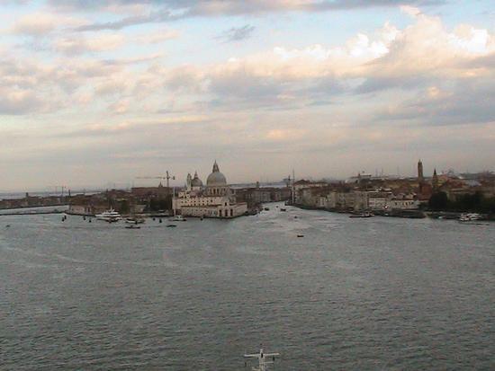 Rientro al Porto di Venezia vista dalla nave 15 luglio 2011 (1416 clic)