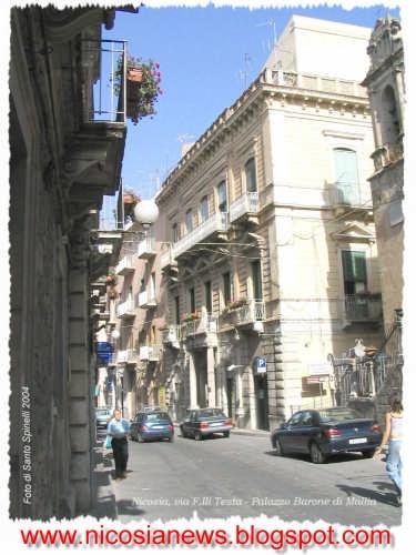 Palazzo Mallia in via F.lli Testa a Nicosia (En) (4100 clic)