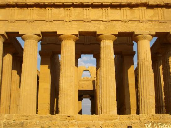 Il tempio della Concordia - Agrigento (4341 clic)