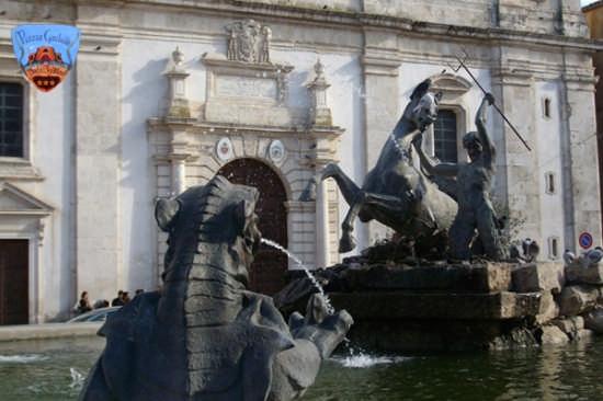 La fontana del Tritone - Caltanissetta (5527 clic)