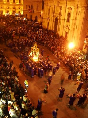 Il Cristo Nero - Caltanissetta (7145 clic)