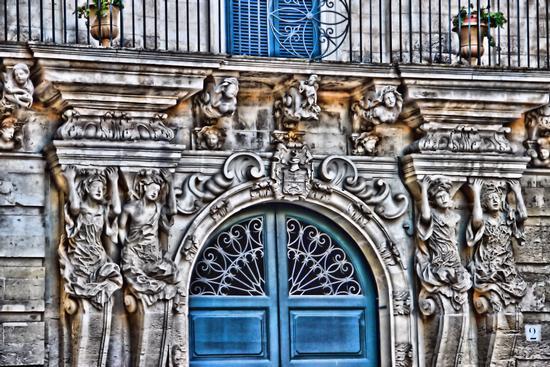 Scatto del 30/09/11 Prospetto di una abitazione in Piazzetta Falconieri- Lecce (1864 clic)