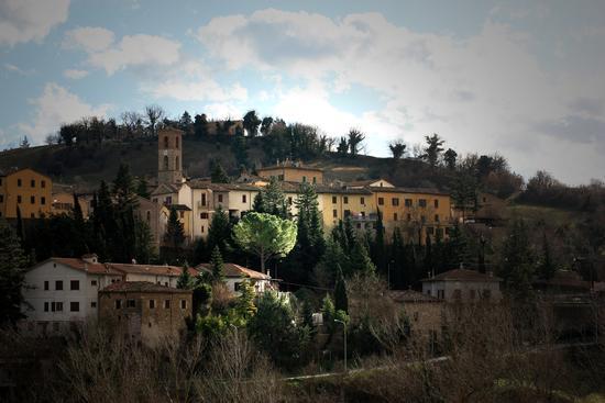 il piccolo comune di Camporotondo di Fiastrone (1606 clic)
