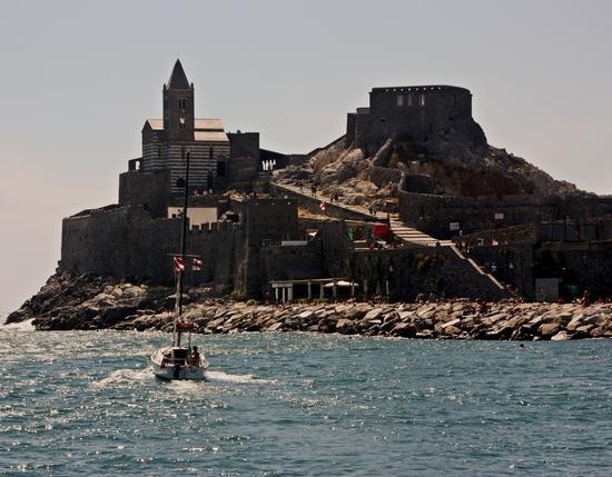 Navigando nel Golfo dei Poeti - Portovenere (2427 clic)