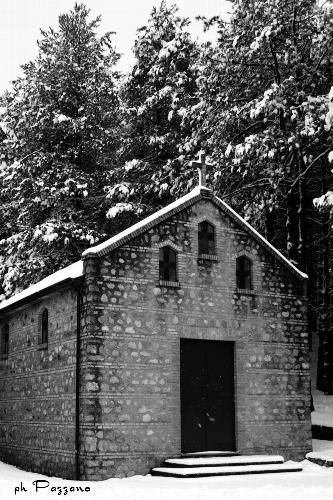MAMMOLA Villaggio Limina - Chiesetta (1746 clic)