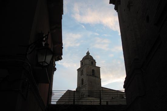 Il vecchio campanile in stile gotico - Lanciano (1960 clic)