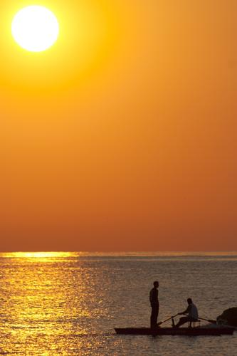 Le ore del mattino hanno l'oro in bocca - Pescara (4976 clic)