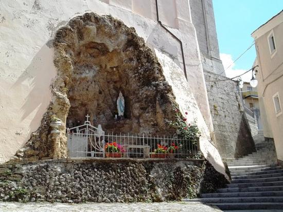Grotta della Madonna di Lourdes - Moliterno (3839 clic)