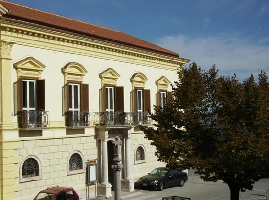 Palazzo Giliberti (sede del Municipio) - Moliterno (1940 clic)