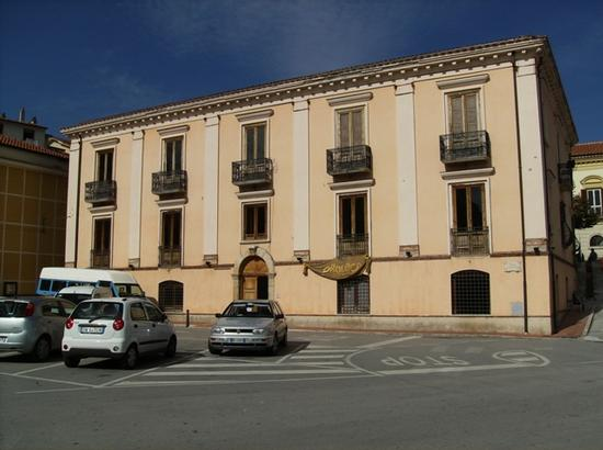 Palazzo Valinoti - MOLITERNO - inserita il 21-Oct-11