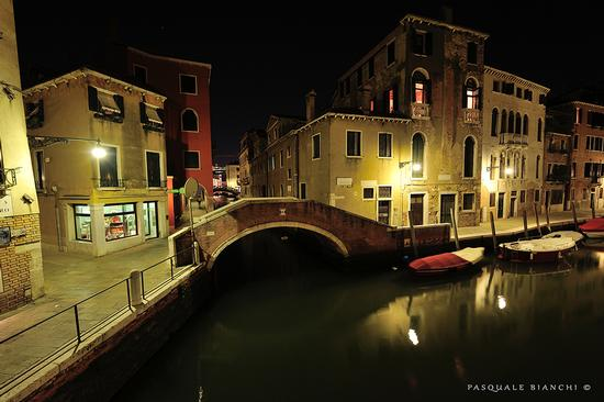 Venezia -  notturno (2038 clic)
