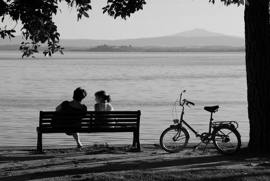 Tenera conversazione - Passignano sul trasimeno (3229 clic)