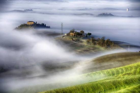 Nebbia mattutina - Asciano (12036 clic)