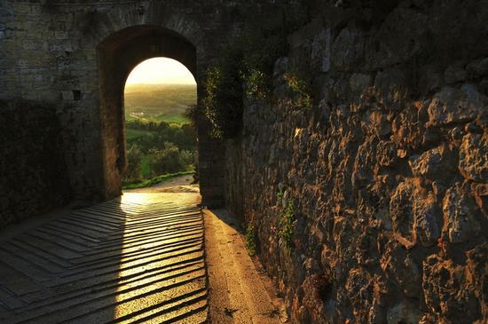 Porta Fiorentina a Monteriggioni (2998 clic)
