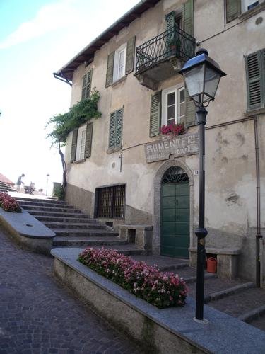 The Conca Family's historical shop in Perledo (Lake Como) (1537 clic)