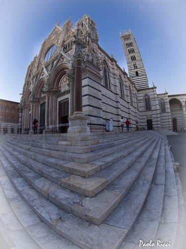Il Duomo di Siena con una prospettiva insolita  (2795 clic)