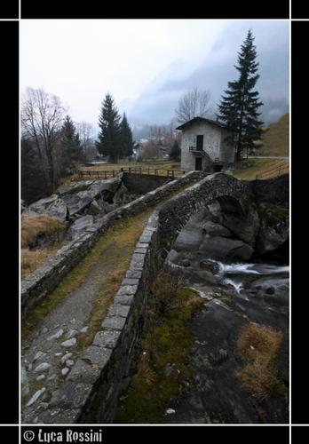 Ponte sul fiume Masino - Val masino (1196 clic)
