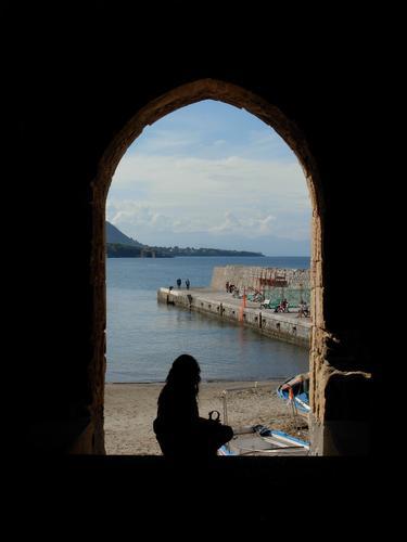 Una finestra sul mare - Cefalù (3020 clic)