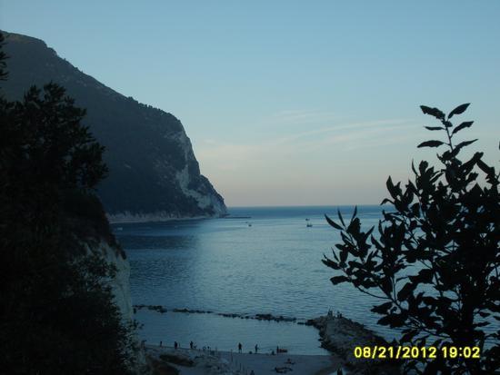 Conero al tramonto - SIROLO - inserita il 01-Oct-12