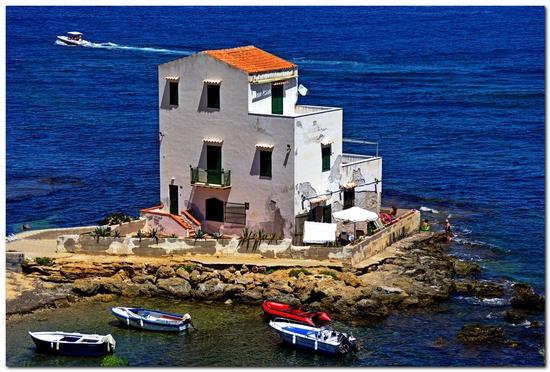 La Casa sul mare - Sant'elia (5611 clic)