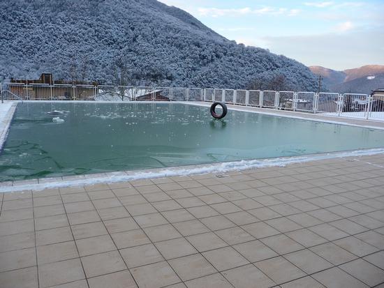 piscina estiva, gomma invernale. - LUMEZZANE - inserita il 10-Jan-12