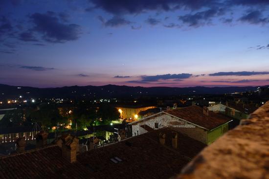 E' arrivata la sera - Gubbio (1428 clic)