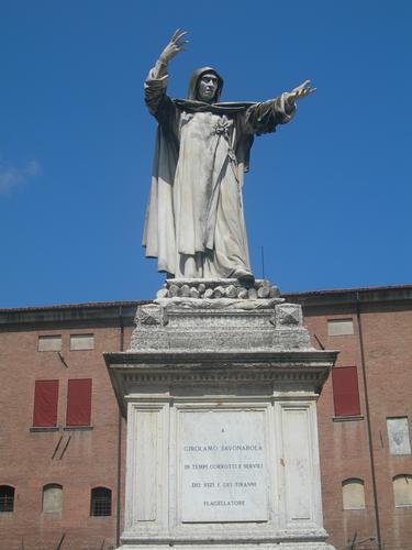 monumento a savonarola a ferrara (1743 clic)