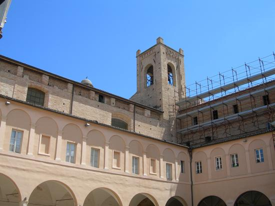 Torre del passero solitario - Recanati (1657 clic)