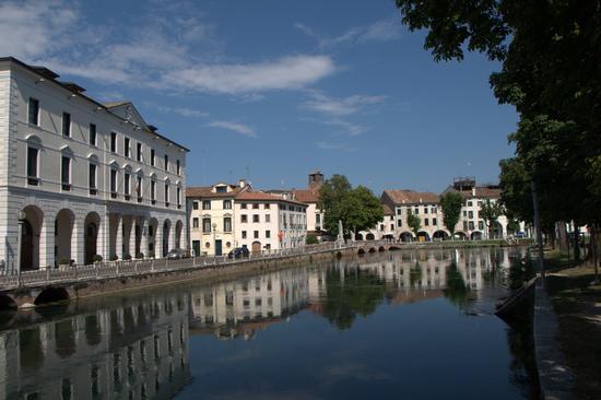 Riflessi - Treviso (2322 clic)