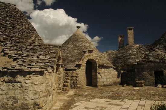 TRULLI - Alberobello (2684 clic)