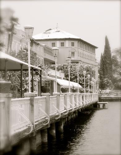 La promenade - Gardone riviera (2005 clic)