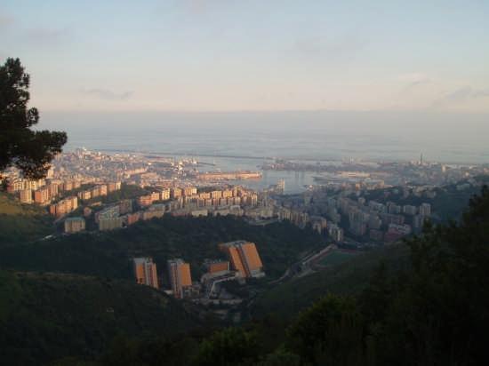 Genova vista dai Forti (3339 clic)