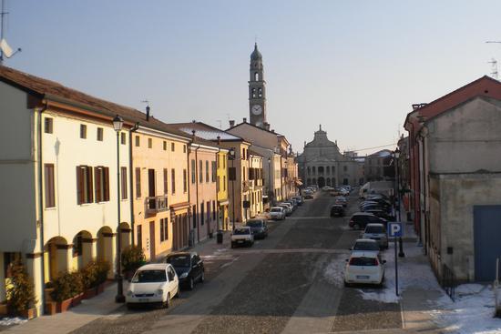 piazza liberta - CASTELMASSA - inserita il 08-Feb-12