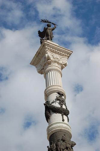 Villa comunale - Monumento ai caduti - SANTA MARIA CAPUA VETERE - inserita il 13-Feb-12