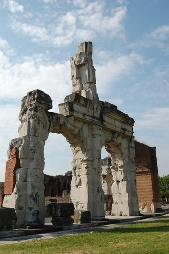 Anfiteatro campano - Santa maria capua vetere (2296 clic)