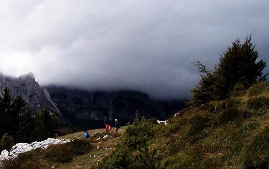Escursionisti a Passo di Campogrosso. - Recoaro terme (1440 clic)
